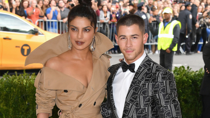 Here's why Priyanka Chopra & Nick Jonas can't sit on the Koffee couchtogether