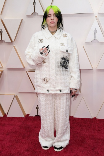 Mandatory Credit: Photo by David Fisher/Shutterstock (10548148ae) Billie Eilish 92nd Annual Academy Awards, Arrivals, Fashion Highlights, Los Angeles, USA - 09 Feb 2020 Wearing Chanel