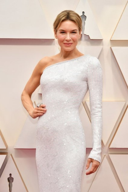 Renee Zellweger in Armani Prive 1