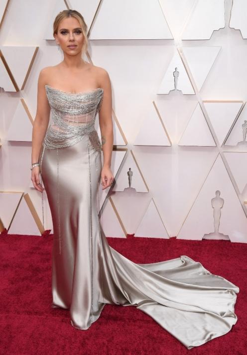 Scarlett Johansson in Oscar de la Renta