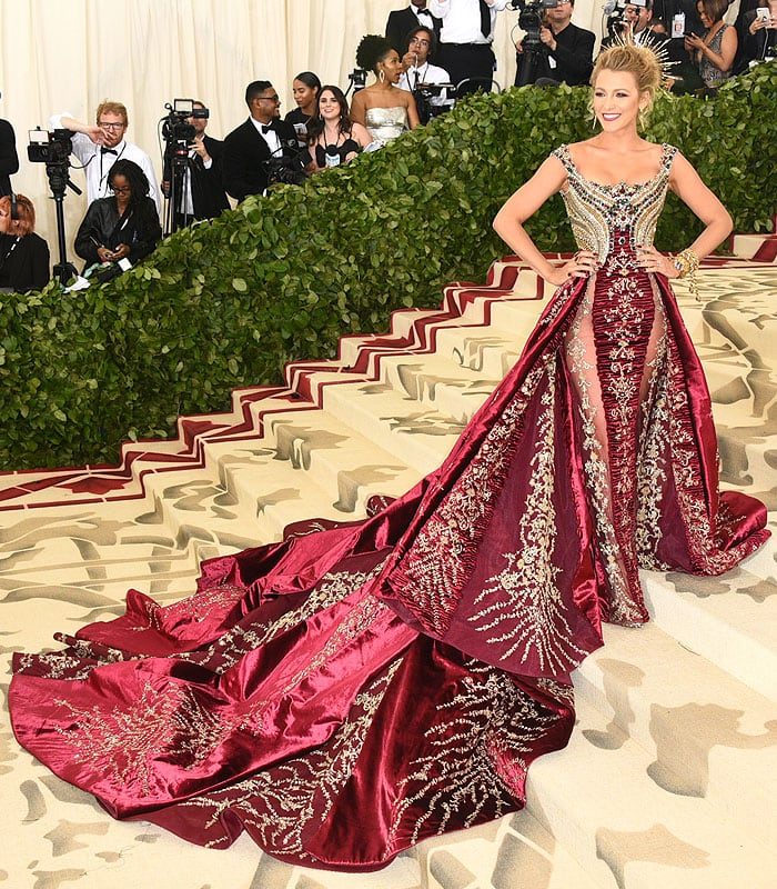Blake Lively in Atelier Versace 2018
