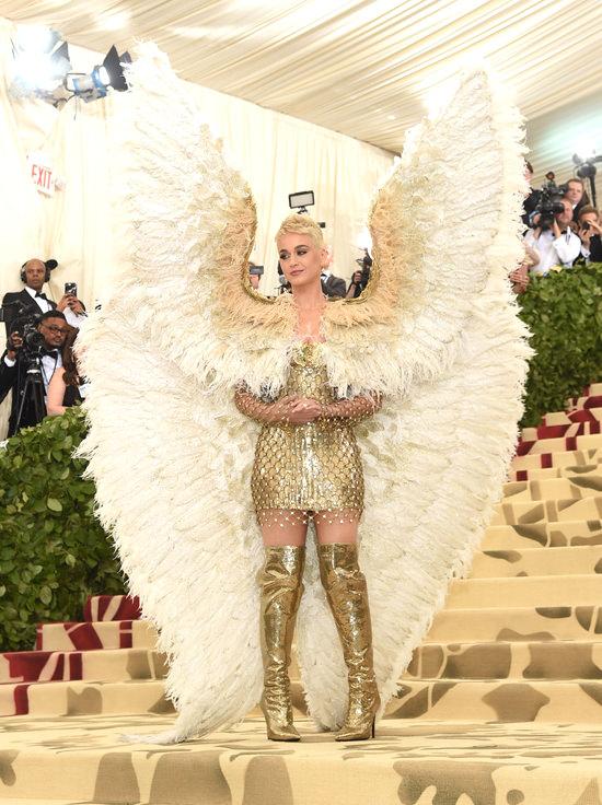 Katy Perry in Atelier Versace 2018