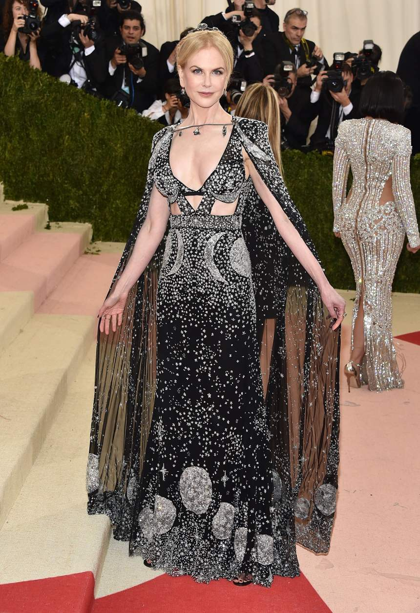 Nicole Kidman in Alexander McQueen 2016