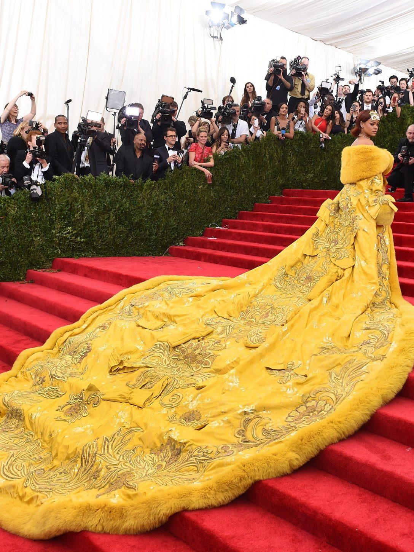 Rihanna in Guo Pei 2015