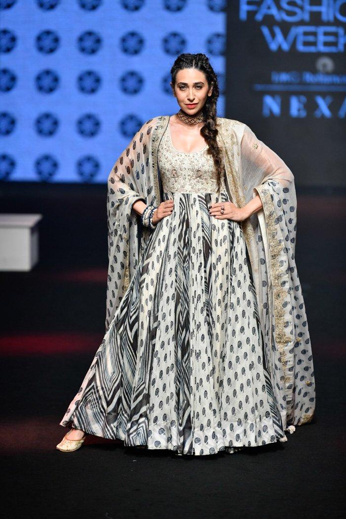 Karisma Kapoor in Punit Balana